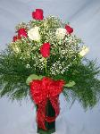 01I 12 Red & White Roses Arranged
